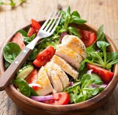 salata me kotopoulo Ios, Android, Cobb Salad, Chicken, Meat, Recipes, Facebook, Losing Weight, Essen