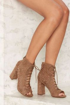 00b04e98b19 NASTY GAL CUT IT CLOSE LACE UP HEEL BOOTIE VEGAN SUEDE IN TAUPE sz 8