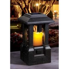 Sarah Peyton Solar Lantern - Garden
