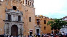 Santo Domingo Square  - Cartagena comes at night
