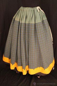 REFAJO DE LANA PARA INDUMENTARIA (Antigüedades - Moda - Mujer - Faldas)