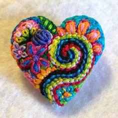 Freeform embroidery heart brooch  Brooch 107 por Lucismiles en Etsy