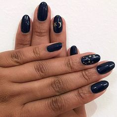 closing off the week with another constellation for our saggitarius @mepperson92 #oliveyourmani nails: @raquel.ajg color match: @chanelofficial blue satin