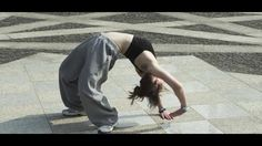 Video - Lady Parkour by Julie Leclerc - Precision and elegance instead of slapdash over-the-top jumps.