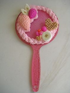 Sweet Deco Hand Mirror 4 by kawaiifriendscafe on DeviantArt Kawaii Phone Case, Cute Polymer Clay, Decoden, Food Themes, Craft Fairs, Kawaii Things, Fake Food, Diy Crafts, Creative Things