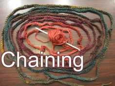 Chaining & How to Hold Your Yarn - Slow Motion (+قائمة تشغيل)