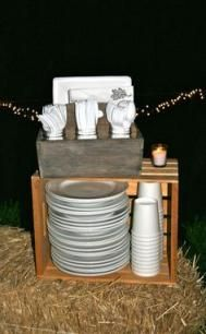 Fall Party Idea- Chili Under the Oaks – Bloom Designs - backyard party Bbq Party, Chili Party, Snacks Für Party, Wood Restaurant, Restaurant Bistro, Bistro Bar, Barn Parties, Outdoor Parties, Bonfire Parties