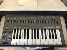 MATRIXSYNTH: Roland SH-101 Synthesiser SN 295227