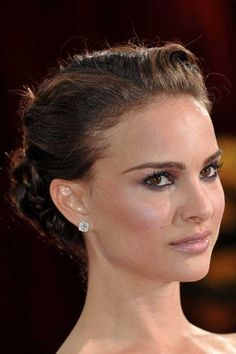 Natalie Portman hairstyle - Natalie Portman hair: Luscious low key ...