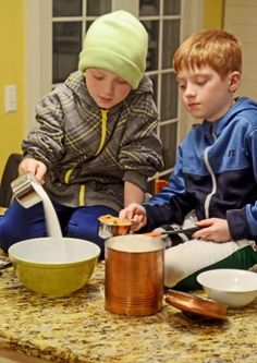 Two young boys making an easy cookie recipe with sugar and peanut butter. Homemade Sausage Rolls, 3 Ingredient Cookies, Cookie Recipes For Kids, Best Peanut Butter Cookies, Buttermilk Biscuits, How To Make Cookies, Cake Cookies, Christmas Cookies, Kids Meals