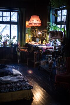 home_decor - Find Out Who Is Talking About Dark Eclectic Living Room And Why You Should Be Concerned 231 World Of Interiors, Dark Interiors, Eclectic Living Room, Eclectic Bedrooms, Bohemian Bedrooms, Aesthetic Room Decor, Home And Deco, Dream Rooms, My New Room
