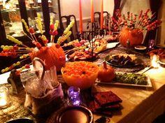 HALLOWEEN FOOD TABLES | halloween party decor - food table