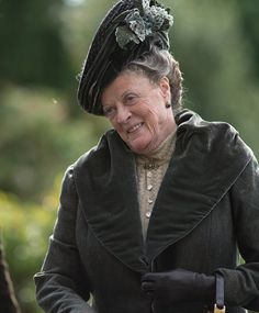 i LOVE the dowager!!
