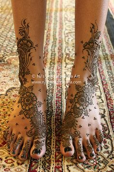 Shemara's bridal henna feet 2010 © NJ's Unique Henna Art Mehndi Tattoo, Tatoo Hindu, Henna Tatoos, Henna Mehndi, Paisley Tattoos, Mandala Tattoo, Henna Designs Feet, Bridal Henna Designs, Latest Mehndi Designs