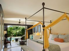With elegant four-poster canopy king beds, secluded terraces, and private soaking tubs available in all 412 of its spacious suites, the Secrets Maroma Beach gives romance-seekers plenty of reasons to never step outside their digs. When they do venture out, it's to sunbathe by any of the resort's 13 swimming pools