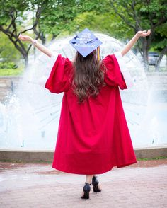 Check out these adorable outfits anyone can rock under their grad gown! Check out these adorable outfits anyone can rock under their grad gown! Graduation Picture Poses, College Graduation Pictures, Graduation Portraits, Nursing School Graduation, Graduation Photoshoot, Graduation Photography, Grad Pics, Kindergarten Graduation, Graduation Day