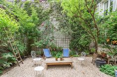 Amazing flat for 8 with garden parking apartment in Paris, France.