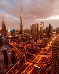 Dubai Airport, Dubai City, Dubai Tower, Beautiful Places To Travel, Cool Places To Visit, Night Sky Photos, Dubai Travel, City Aesthetic, United Arab Emirates