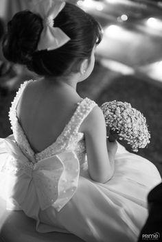 Casamento clássico - daminhas Flower Girls, Flower Girl Dresses, Dresses Kids Girl, Kids Outfits, Marry Me, Wedding Dresses, Party Dresses, Baby Dress, Kids Girls