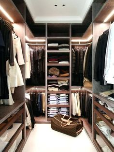 Awesome Small Walk-In Closet Design Ideas and Inspiration for Modern Home Decor - Do you need to whip your small walk-in closet into shape? You will love these incredible small walk-in closet ideas and makeovers for some inspiration! Walk In Closet Small, Walk In Closet Design, Closet Designs, Double Closet, Wardrobe Closet, Closet Space, Open Wardrobe, Bedroom Wardrobe, Closets Pequenos