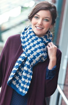 Love the pattern on this scarf! Crochet pattern.