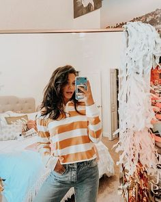 Emma Marie (@emmamarie) • Instagram photos and videos Lazy Outfits, Cute Casual Outfits, New Outfits, Fashion Outfits, Teenager Outfits, Fasion, Film Marathon, Fall Winter Outfits, Summer Outfits