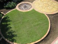 Circular lawn edging as part of round garden theme. by brandy - Lawn edging