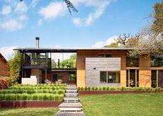 Lake Flato creates spacious lakefront home in Austin