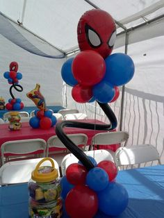 Spiderman balloon centerpiece