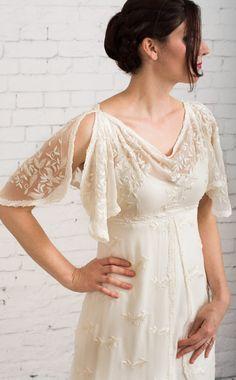 Casual wedding Dress Simple wedding dress von MartinMcCreaCouture
