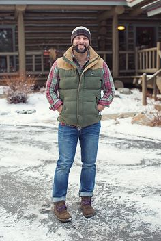 Stylish in Snow is part of Mens fashion rugged Winter is a great time to step up your personal style Enjoy our collection of men& winter outfits to help you stay stylish while out in the snow - Winter Outfits Men, Winter Fashion Casual, Casual Winter, Mens Fashion Suits, Men's Fashion, Fashion Black, Fashion Ideas, Vintage Fashion, Down South