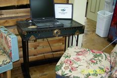 Cave City Welcome Center Computer table made from old trunk top. Visitors can browse the internet while sitting at a unique DIY desk. Cave City, Old Trunks, Diy Desk, New Homes, Internet, Unique, Table, Top, Home Decor