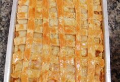 Empadão de frango a massa derrete na boca, uma ótima dica para fazer nas marmitinhas e vender. Empadão de frango Ingredientes 200 gramas de margarina 1 xícara (chá) de óleo 1 ovo 1 pitada de sal 3 xícaras de farinha de trigo 1 colher de fermento em pó 800 g de peito de frango cozido …