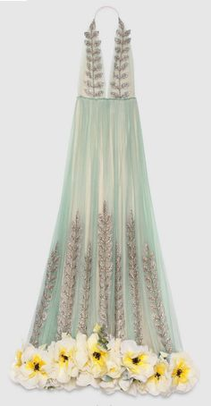 This Stunning Gucci Crystal vine embroidered tulle gown Fashion Art, Runway Fashion, Fashion Women, High Fashion, Evening Dresses, Prom Dresses, Hippy Chic, Fru Fru, Tulle Gown