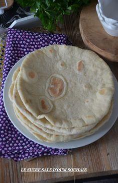 piadina pain plat italien Pain Italien, Plats Italiens, Pizzas, Pain Brioché, Focaccia, Naan, Cooking Chicken Wings, Baguette, Panes