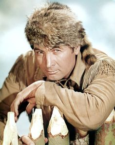 Davy Crockett (Fess Parke… They sold 5,000 'coon skin hats a day! Whew!
