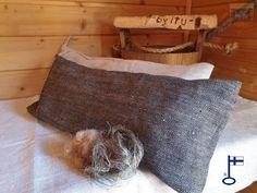 by itu - Sanna saunatyyny uusi väri 100 % pellavaa Reusable Tote Bags, Itu, Throw Pillows, Make It Yourself, Design, Toss Pillows, Cushions, Decorative Pillows