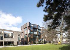 Alison-Brooks-Architects-_-Cambridge-_-Accordia-_-Brass-Building-Green-Tree.jpg (1024×739)