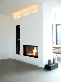Fireplace as a room divider models Home Fireplace, Modern Fireplace, Living Room With Fireplace, Fireplace Design, My Living Room, Home And Living, Living Area, Living Spaces, Fireplaces