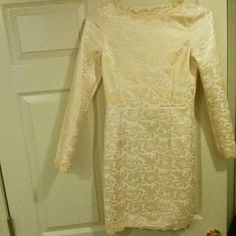 Lace body con dress Peachy/gold lace body con dress. Only worn once. Says large but more like a medium. Fully lined sheinside Dresses