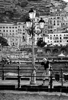 - - - - #art #pencil #drawing #artist #pencildrawing #graphitedrawing #realisticart #realism #blackandwhite #illustration #artistsonpinterest #picoftheday #bnwportraits #portraitdrawing #pencilart #graphite #realisticdrawing #amalficoast #italy #oldman #lampadaire Pencil Art, Pencil Drawings, Le Village, Amalfi Coast, Italy, Floor Lamps, Ships, Italia