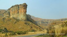 Sandstone formation (Sentinel Buttress) on the way between Clarens and the Golden Gate Highland National Park, Eastern Free State, South Africa. Photo by Martie van Niekerk Beautiful World, Beautiful Places, Free State, Golden Gate, Van Niekerk, Wild Flowers, Monument Valley, South Africa, Places To Go