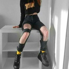 21 Outstanding Grunge Outfits Ideas For Women Grunge Style Outfits, Edgy Outfits, Mode Outfits, Girl Outfits, Edgy School Outfits, Kpop Fashion Outfits, Crazy Outfits, Hipster Outfits, Teacher Outfits
