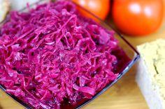 Przepis na Sałatkę z czerwonej kapusty https://cosdobrego.pl/przepis-na-salatke-z-czerwonej-kapusty/