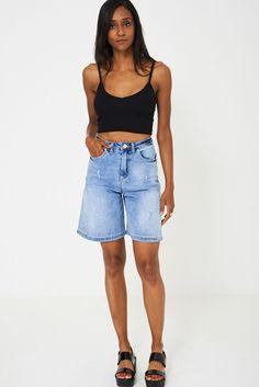 Our model wears size UK 6 and is 179 tall. Long Shorts, High Waisted Shorts, Wide Leg Denim, Blue Denim, Denim Skirt, Denim Jeans, Boyfriend Shorts, Tennis, Tommy Hilfiger