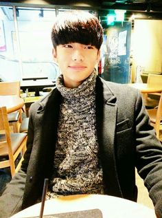 Hunjin predebut pic ●● Stray Kids In a date ¿What do you think about this handsome boy? Taehyung, Savage Kids, Kids Background, I Still Love Him, Fandom, Kpop, Lee Know, Boyfriend Material, Handsome Boys