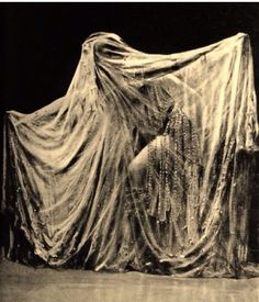 Veiled Ladies: Ida Rubinstein as Salome Vintage Photographs, Vintage Photos, Ida Rubinstein, Creation Art, Dark Photography, Look Vintage, Fantasy, Art Plastique, Belle Epoque