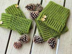 Crochet Dreamz: Brooklyn Fingerless Mitts or Wrist Warmers, Free Crochet Pattern