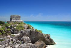 tulum mayan ruins by the sea