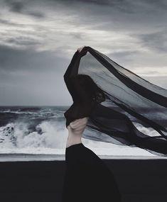 Min svarte avgrunn Shot at Hjörleifshöfði black beach, Iceland. Own / Self Dark Photography, Fashion Photography, Photo Ocean, Dark Beach, Yennefer Of Vengerberg, Beach Aesthetic, Aesthetic Girl, Aesthetic Pastel, Aesthetic Videos